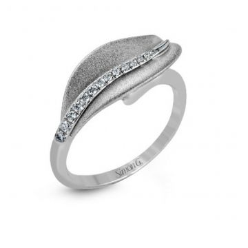 18k white gold right hand fashion cocktail ring .09D